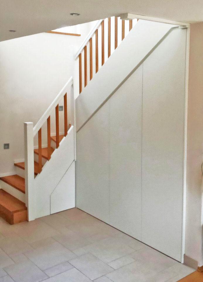treppe mit pfiff holztreppe mit treppenunterbau. Black Bedroom Furniture Sets. Home Design Ideas