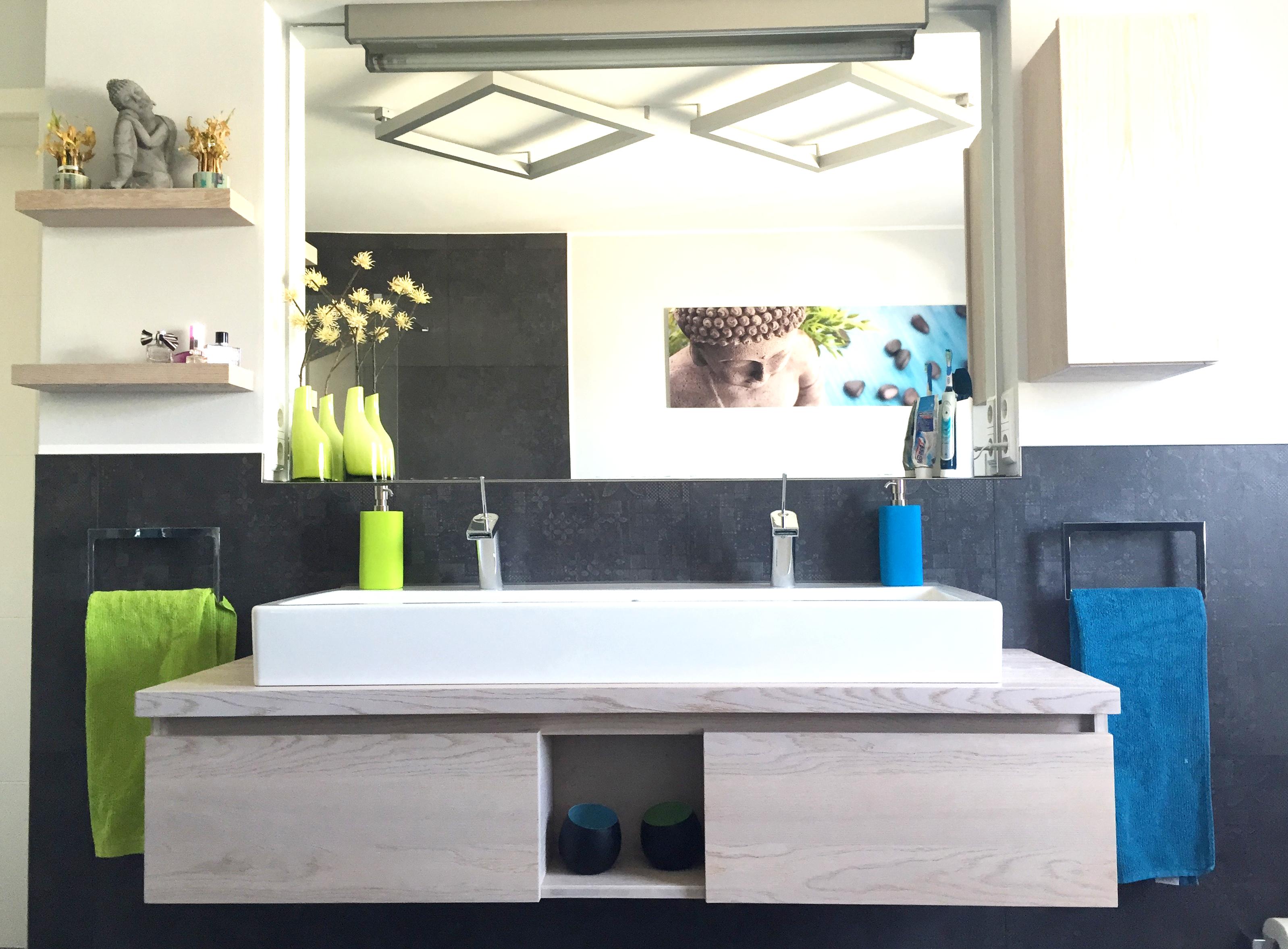 Moderner Waschtisch im Bad und Gäste-WC